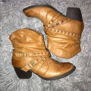Shoes - Ankle boot
